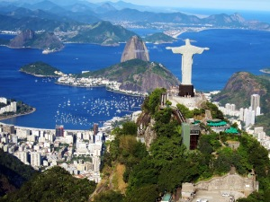 brazil-iconic-statue-on-corcovado-mountain-in-rio-de-janeiro-hd-wallpaper