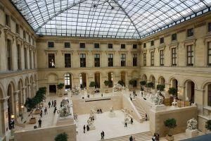 La cour Marly , au musée du Louvre (photographie de Jean-Christophe Benoist)