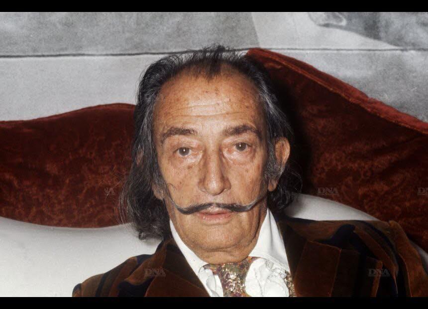 salvador-dali-a-paris-en-1972-photo-archives-afp-1498483310
