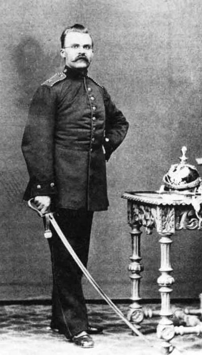 nietzsche-uniform-1864